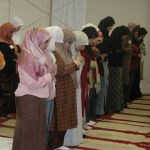 muslim_women_women_praying_in_mosque